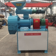 Chicken manure pelleting equipment (1)