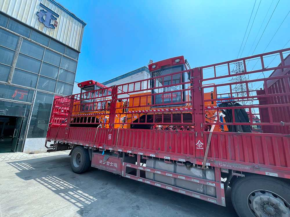 Organic fertilizer compost turner sold to Brazil (6)