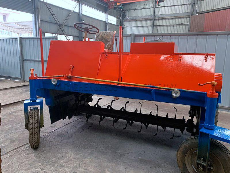 Four-wheel Fermentation turning machine (5)