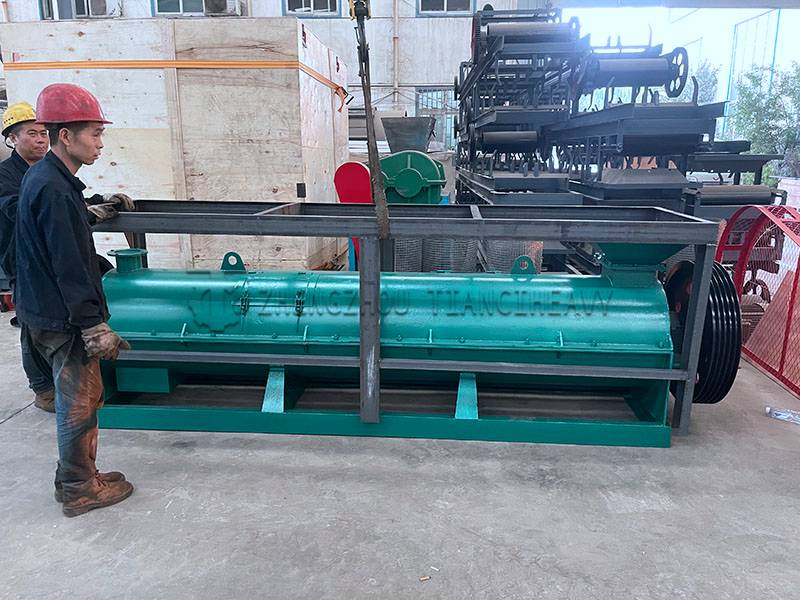 China Organic fertilizer granulator (3)